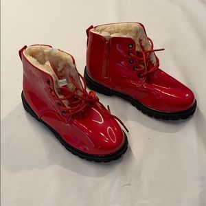 Fantiny shiny red lined boots